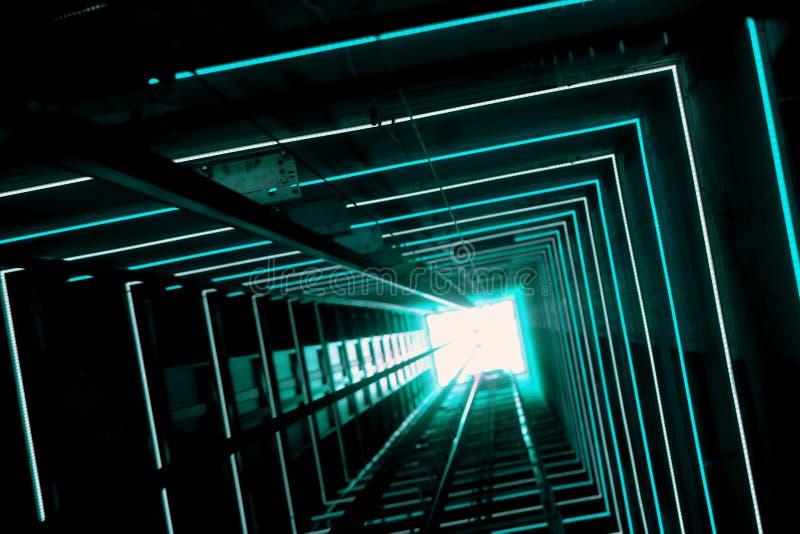 Blauwe Lichtgevende Lifttunnel stock fotografie