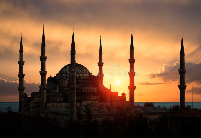 Blauwe Moskee tijdens Zonsondergang stock foto's