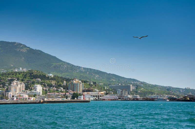 Download Blauwe Overzees In Haven Yalta Stock Afbeelding - Afbeelding bestaande uit stad, summer: 29509569