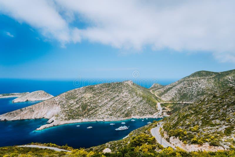 Blauwe overzeese baai van Middellandse Zee in Porto Vromi op het eiland van Zakynthos, Griekenland stock afbeelding