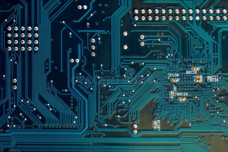 Blauwe PCB-dichte omhooggaande de technologieachtergrond van de raadskring royalty-vrije stock afbeelding