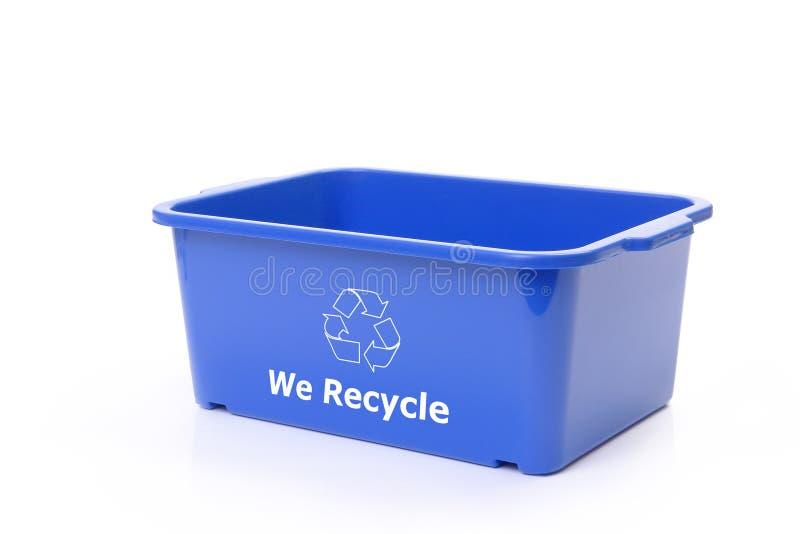 Blauwe plastic verwijderingsbak royalty-vrije stock afbeelding