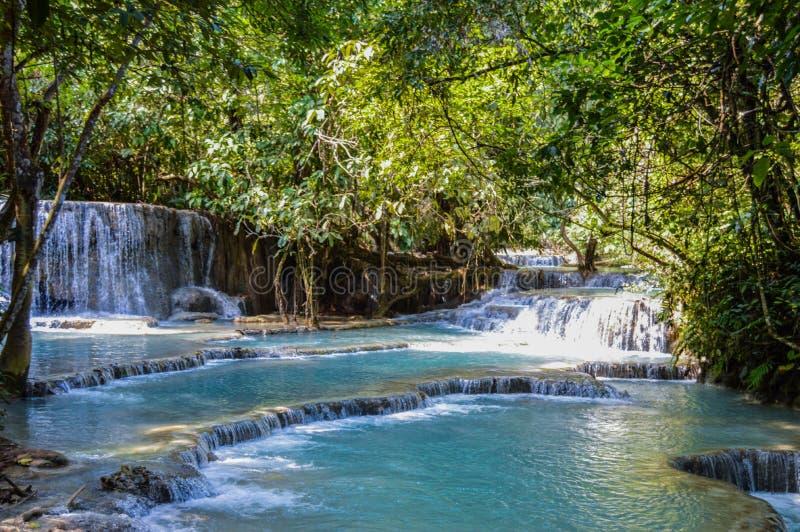 Blauwe Pool in Kuang Si Waterfalls royalty-vrije stock afbeelding