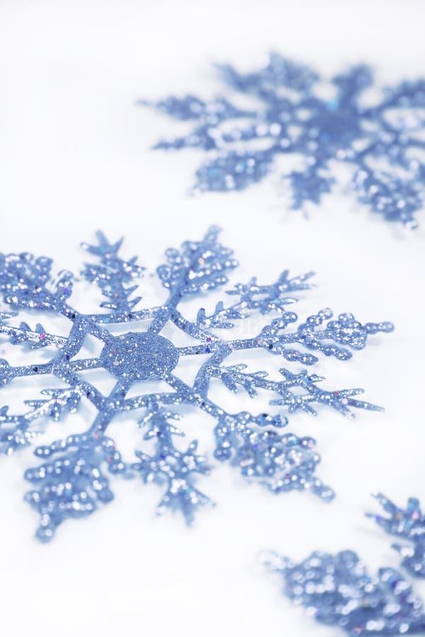 Blauwe sneeuwvlokken royalty-vrije stock foto