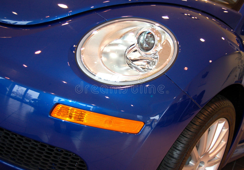 Blauwe sportwagen stock foto's
