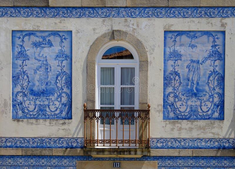 Blauwe tegelvoorgevel, Aveiro stock fotografie