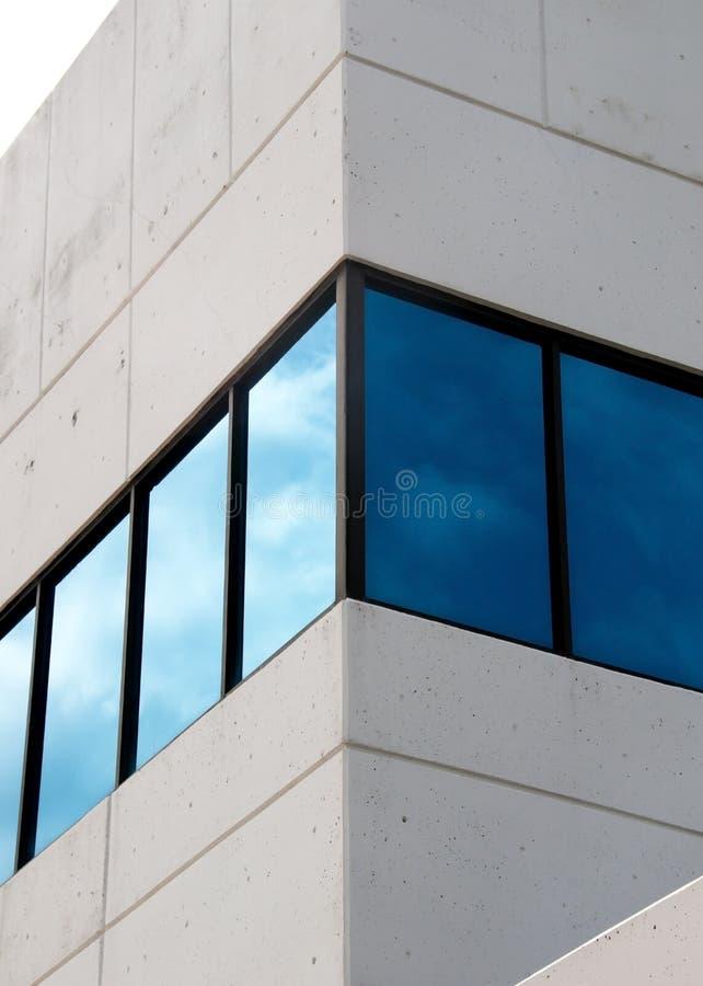 Blauwe vensters stock foto's
