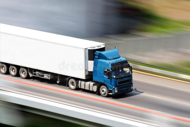 Blauwe vrachtwagen