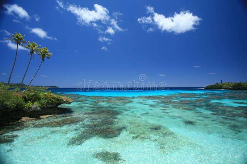 Blauwe water en hemel royalty-vrije stock foto's