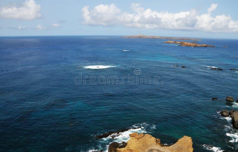 Blauwe wateren rond Djeu stock fotografie