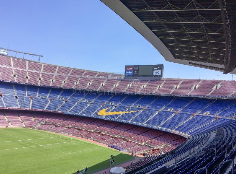 Bleachers vazios do estádio imagens de stock royalty free
