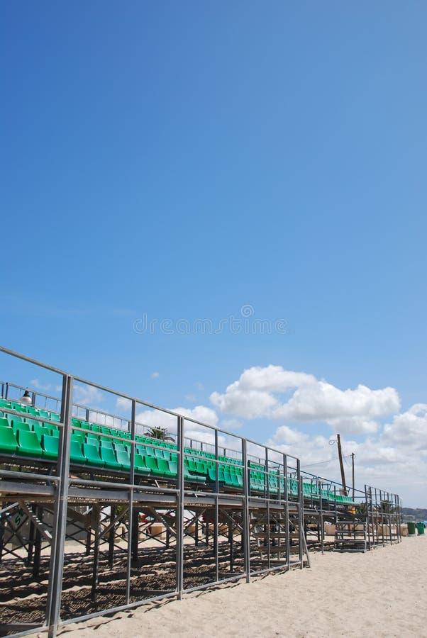Bleachers verdes do estádio imagem de stock royalty free