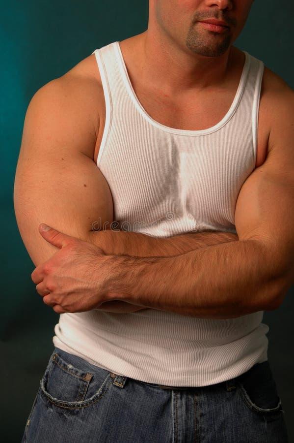 Bleekgele kerel in mouwloos onderhemd royalty-vrije stock foto's
