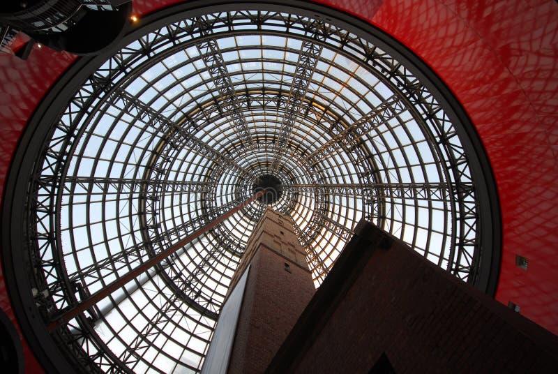Bleikontrollturm des Einkaufszentrums stockbilder