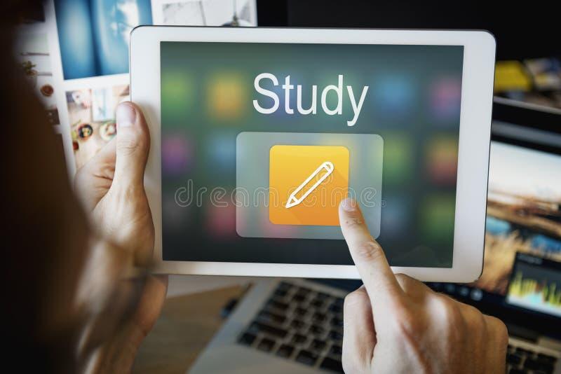 Bleistift-Ikonen-on-line-Bildung, die grafisches Konzept lernt stockfoto