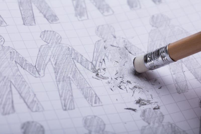 Bleistift-Radiergummi, der gezeichnete Zahlen löscht stockfotos