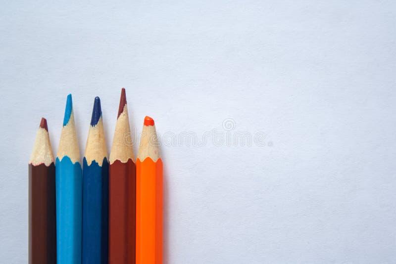 Bleistifte auf Papier stockfoto