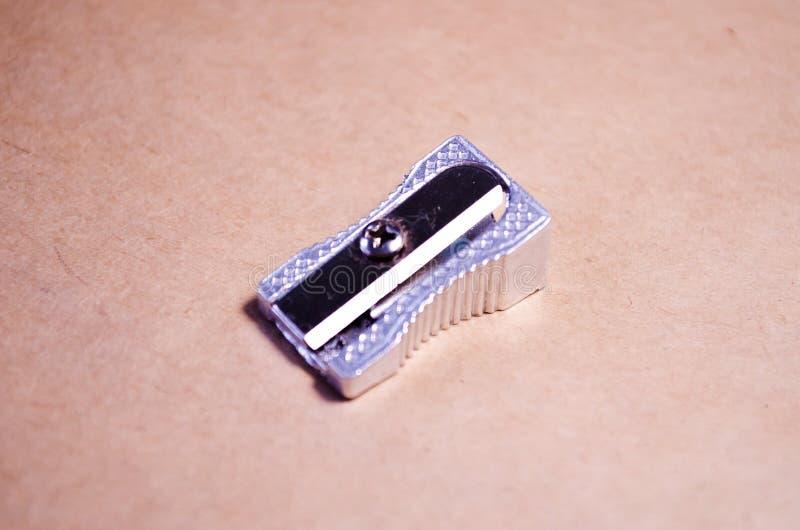 Bleistiftspitzer Metallbleistiftspitzer Metallbleistiftspitzer Schulsekretariat lizenzfreie stockfotos
