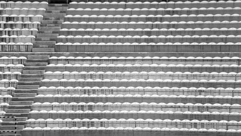 Blekare utan folk på fotbollsarena fotografering för bildbyråer