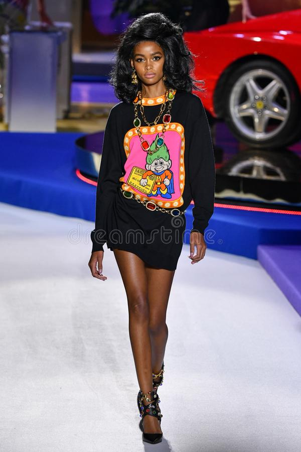 blesnya minher walks the runway at the versace pre fall. Black Bedroom Furniture Sets. Home Design Ideas