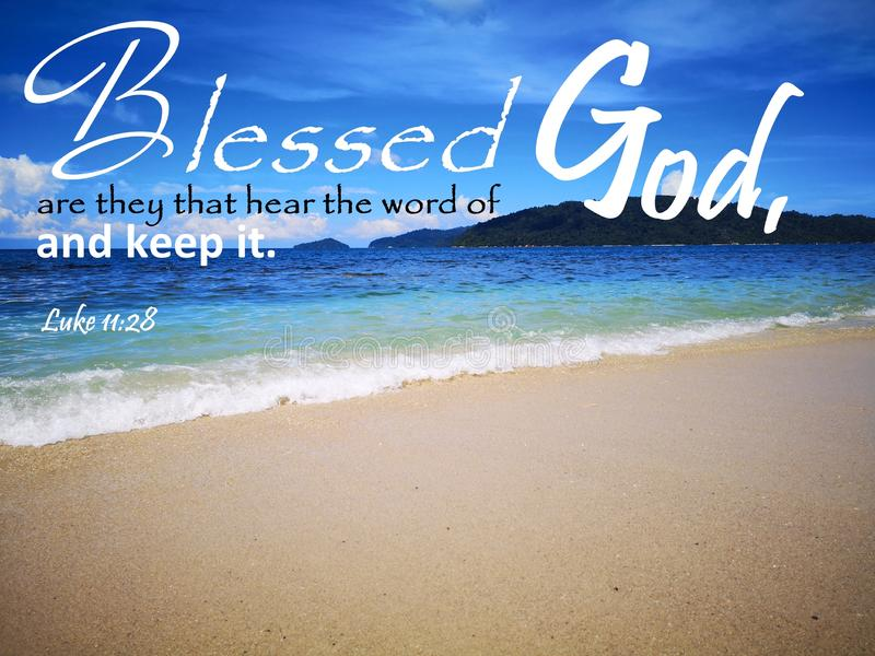 Blessed è essi che sentono che la parola di Dio con la vista di oceano del fondo e una signora rispettano la progettazione del ci immagini stock libere da diritti