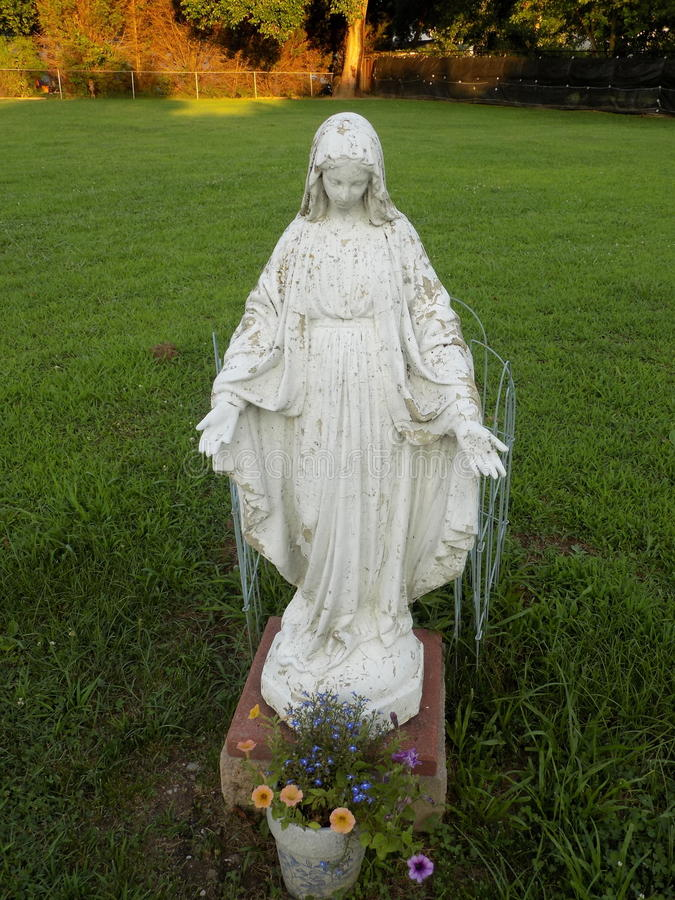 Blessed Mother Statue decaying by St. Francis De Sales in Benedict stock photos