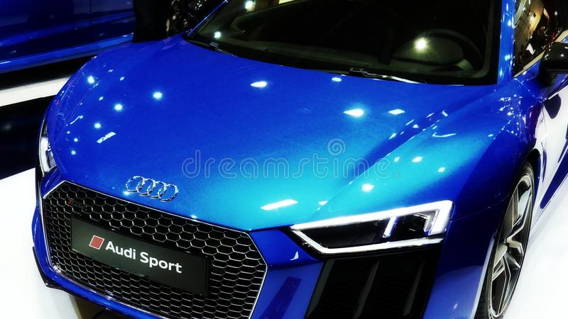 Bleu de coupé d'Audi RS5 photo stock