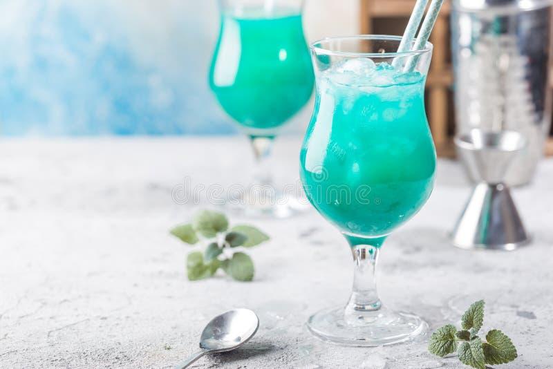 Bleu Hawa? de cocktail photos libres de droits