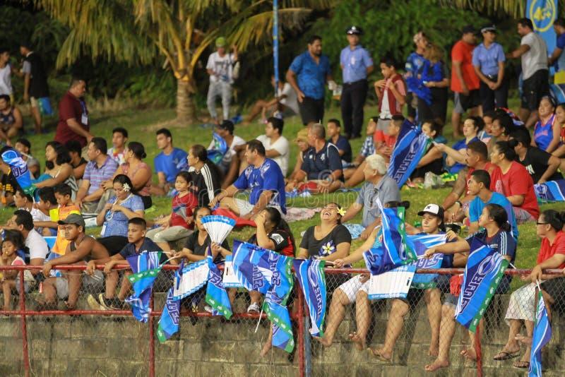 Bleus d'Auckland contre des rouges du Queensland jouant au Samoa image stock