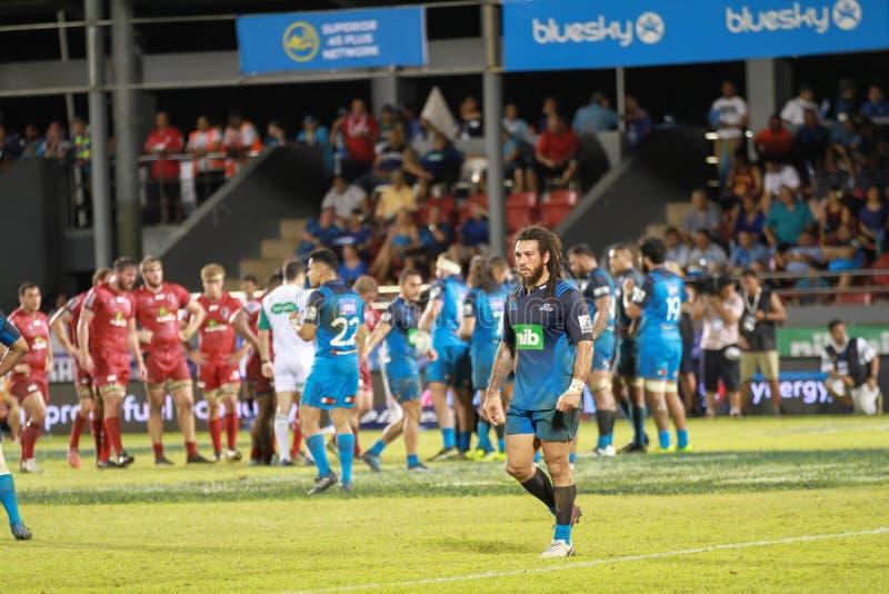 Bleus d'Auckland contre des rouges du Queensland jouant au Samoa images libres de droits