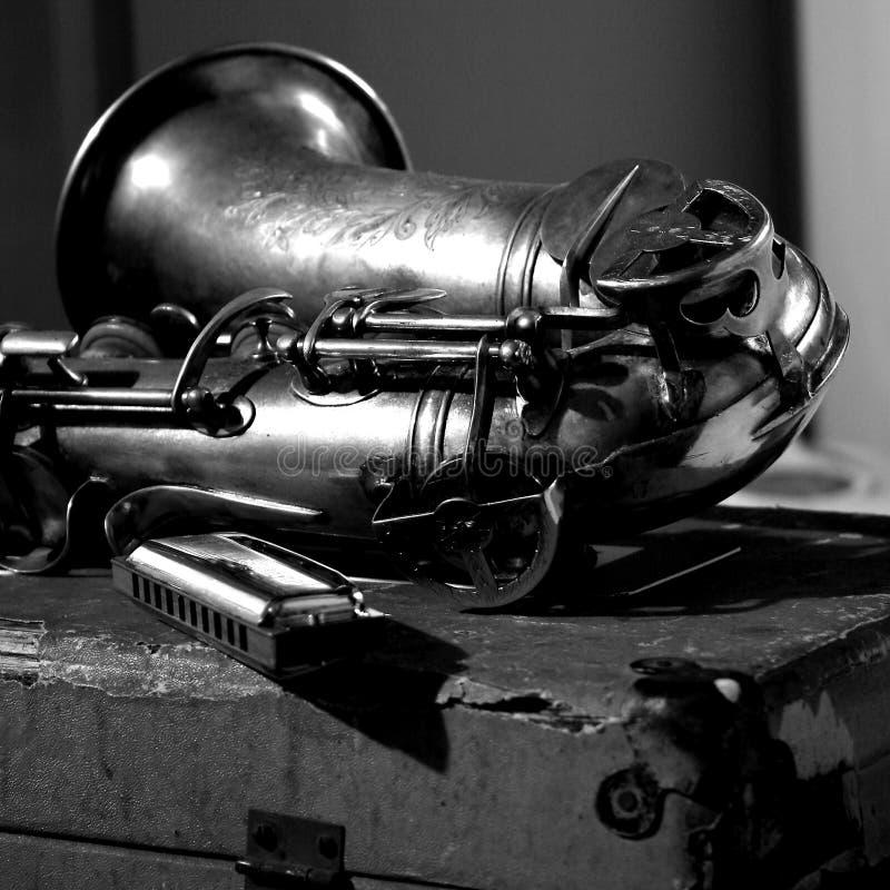 bleus musique, saxo et harmonica photographie stock libre de droits
