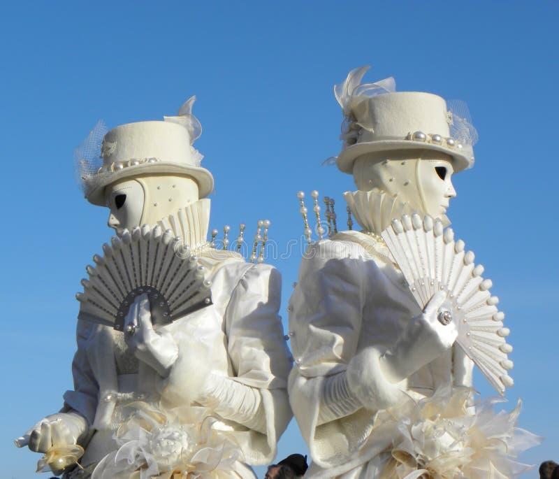 Bliźniacze biel maski z fan, karnawał Wenecja zdjęcia royalty free