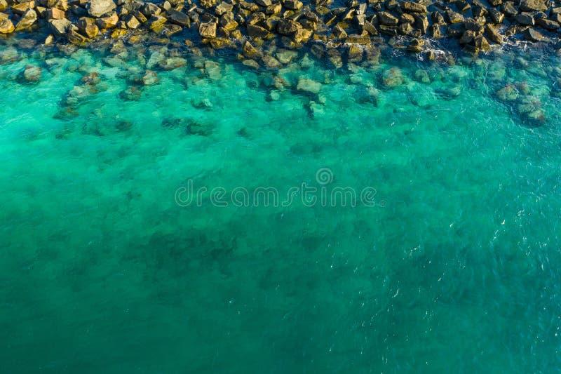 Bli grund Miami vatten och vaggar royaltyfri fotografi