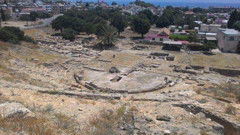 Blijft van de oude stad en modern Cyprus royalty-vrije stock afbeelding