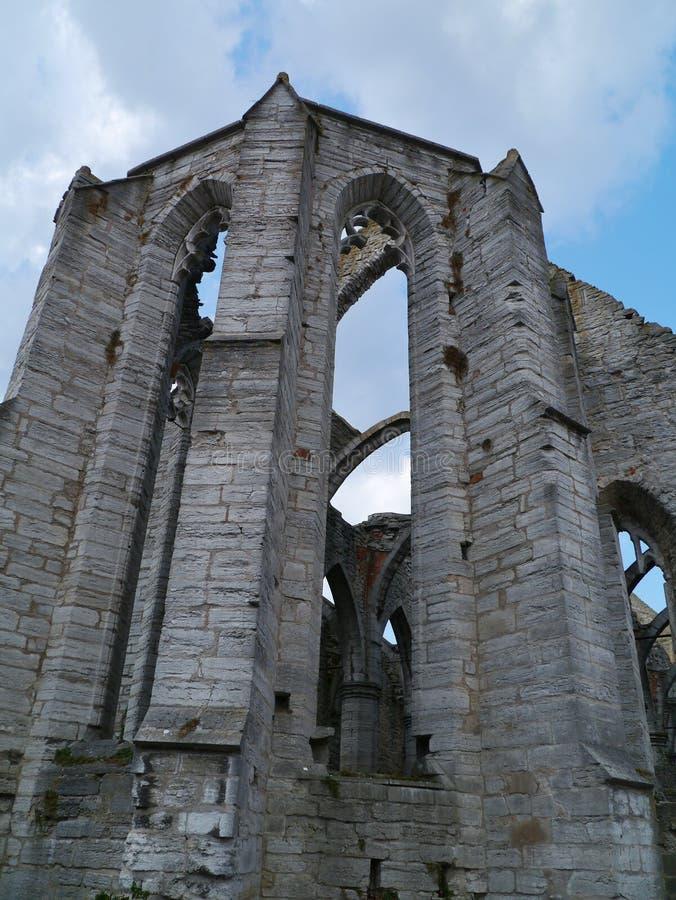 Blijft van een kerk in Visby in Zweden stock afbeelding