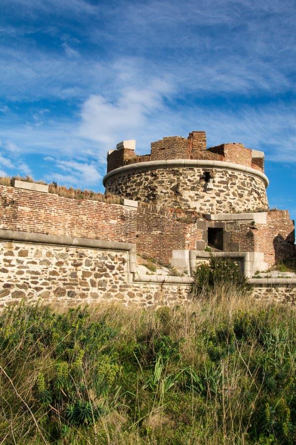 Blijft van een rond fort in Collioure royalty-vrije stock fotografie