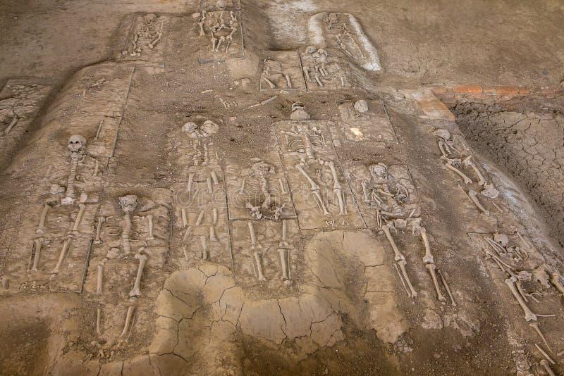 Blijft van een Skelet in Portugese nederzetting in het Historische Park van Ayutthaya stock afbeelding