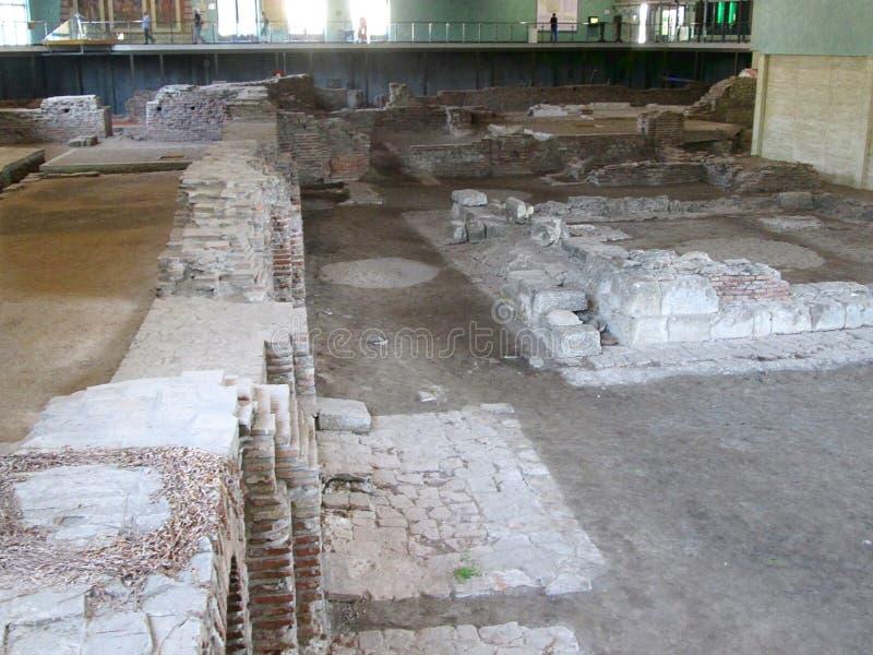 Blijft van oude roman stad Sirmium, Sremska Mitrovica, Servië stock afbeelding