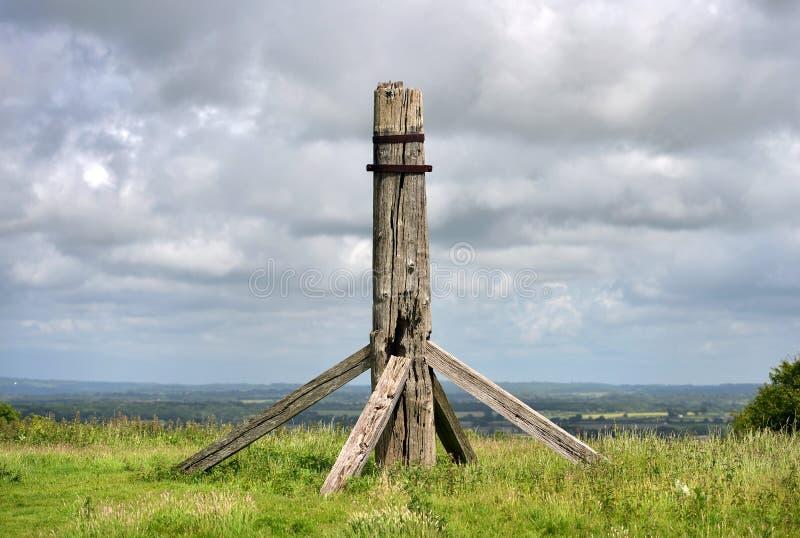 Blijft van oude windmolen stock afbeeldingen
