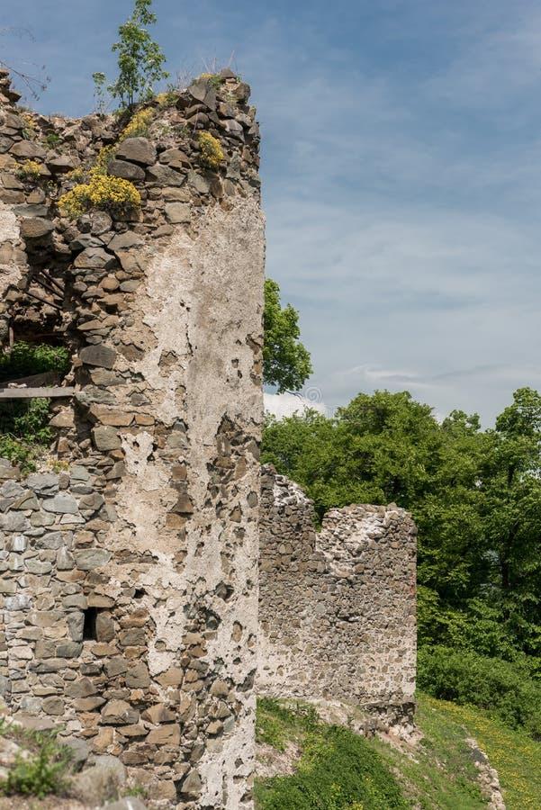 Blijft van Saris-kasteel stock foto's