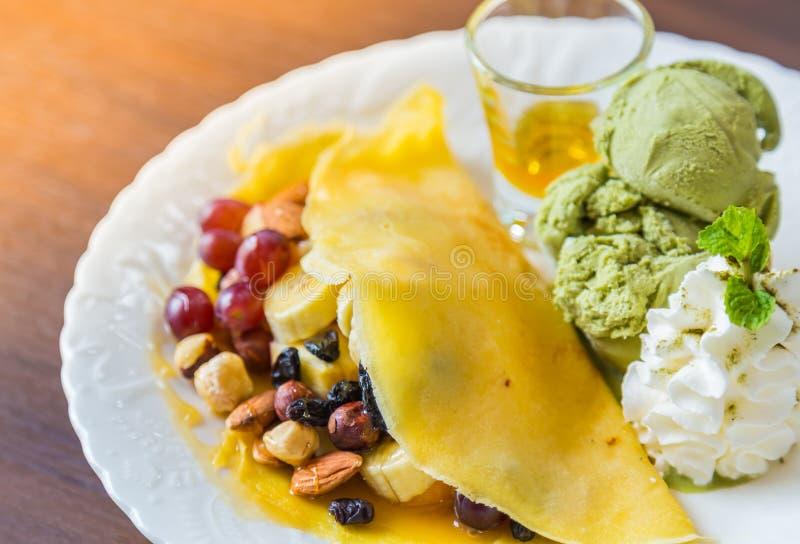 Download Blin i owoc z lody zdjęcie stock. Obraz złożonej z homemade - 57654090