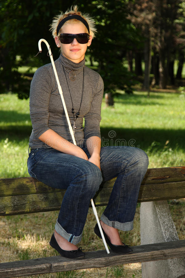 Blinde Frau lizenzfreie abbildung