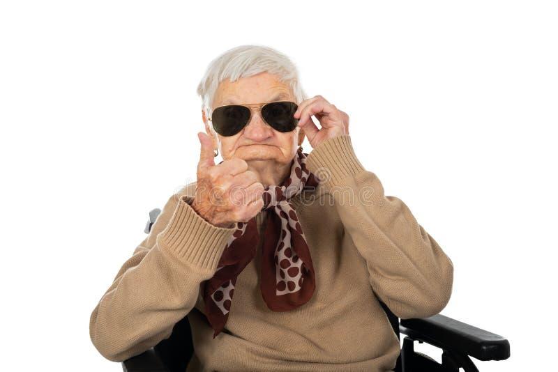 Blinde hogere vrouw stock afbeelding
