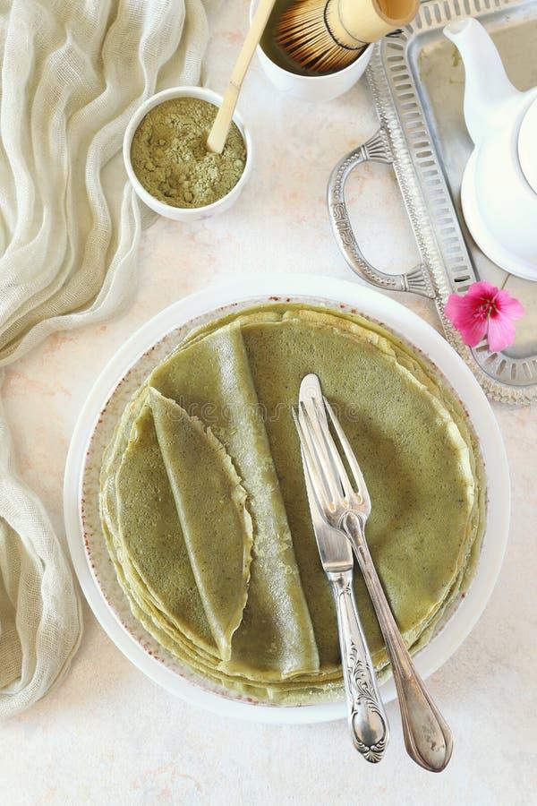 Blinis för pannkakor Matcha för grönt te royaltyfri bild