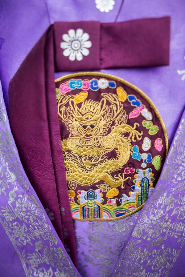 Bliski obraz południowokoreańskiej tradycyjnej sukienki kulturowej z tradycyjnym wzorcem i haftem zdjęcia stock