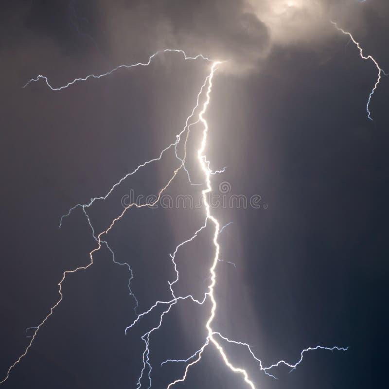 Blitze und Donner stockfotografie