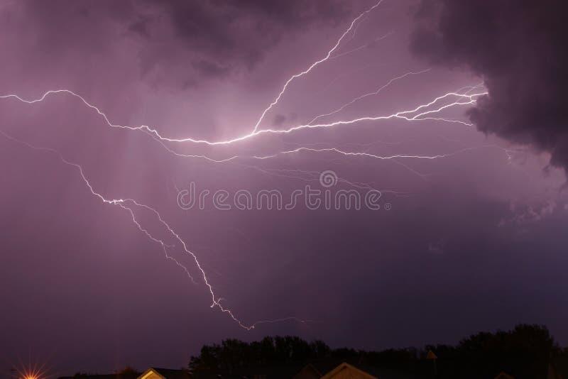 Blitzschlag-Wolke stockfoto