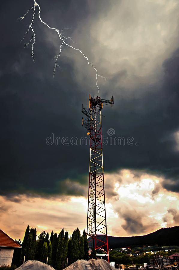 Blixt och tornet fotografering för bildbyråer