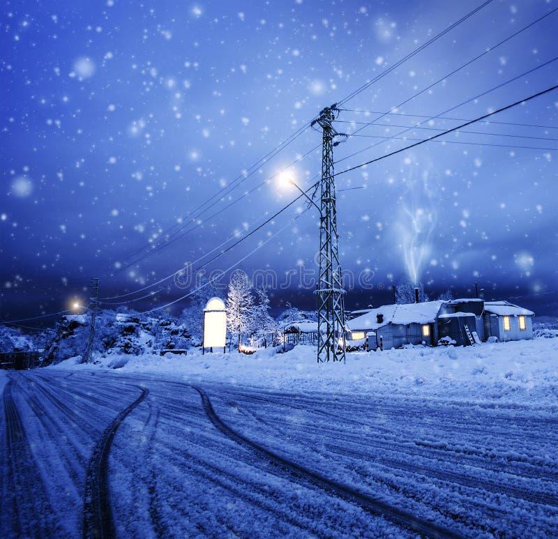 Blizzard na vila foto de stock