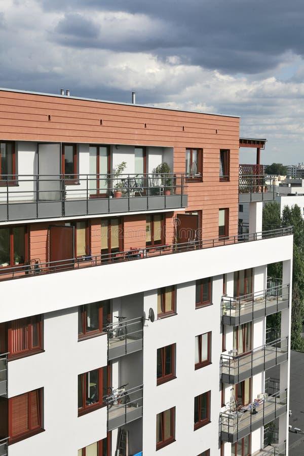 Bloc d'appartements image libre de droits
